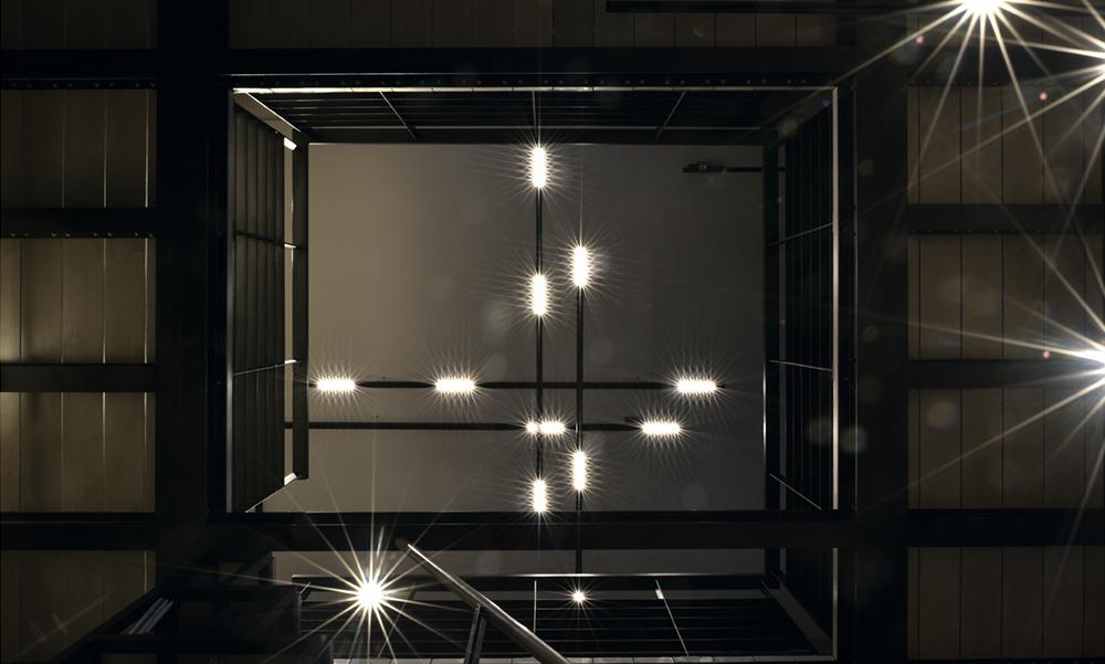 ekskluzywne lampy Kreon na klatkę schodową